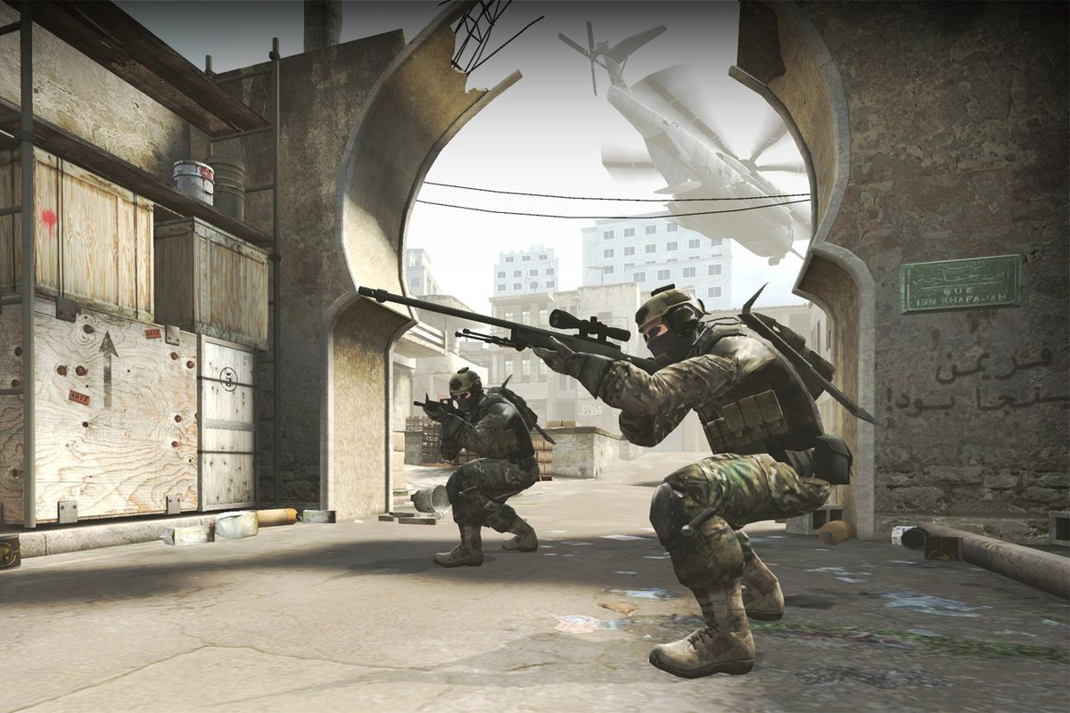 Bog standard screenshot of guy with a gun in Counter-Strike: Global Offensive