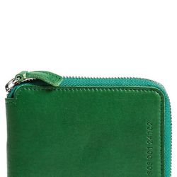 """Shinola <a href=""""http://shop.nordstrom.com/s/shinola-small-artisanal-leather-wallet/3791537?"""">Small Artisanal Leather Wallet</a>, $120"""