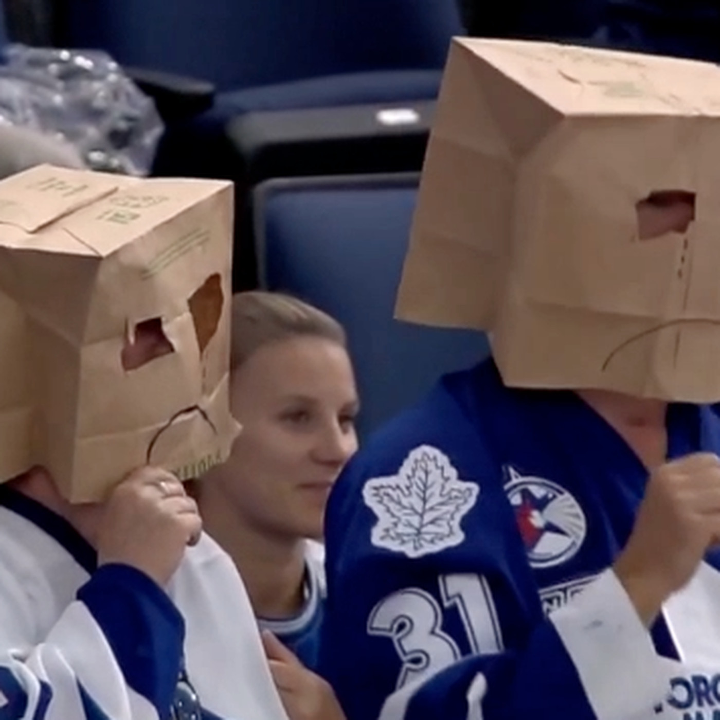 Maple Leafs Fans Put Paper Bags Over Their Heads Dance After Lightning Goal Sbnation Com