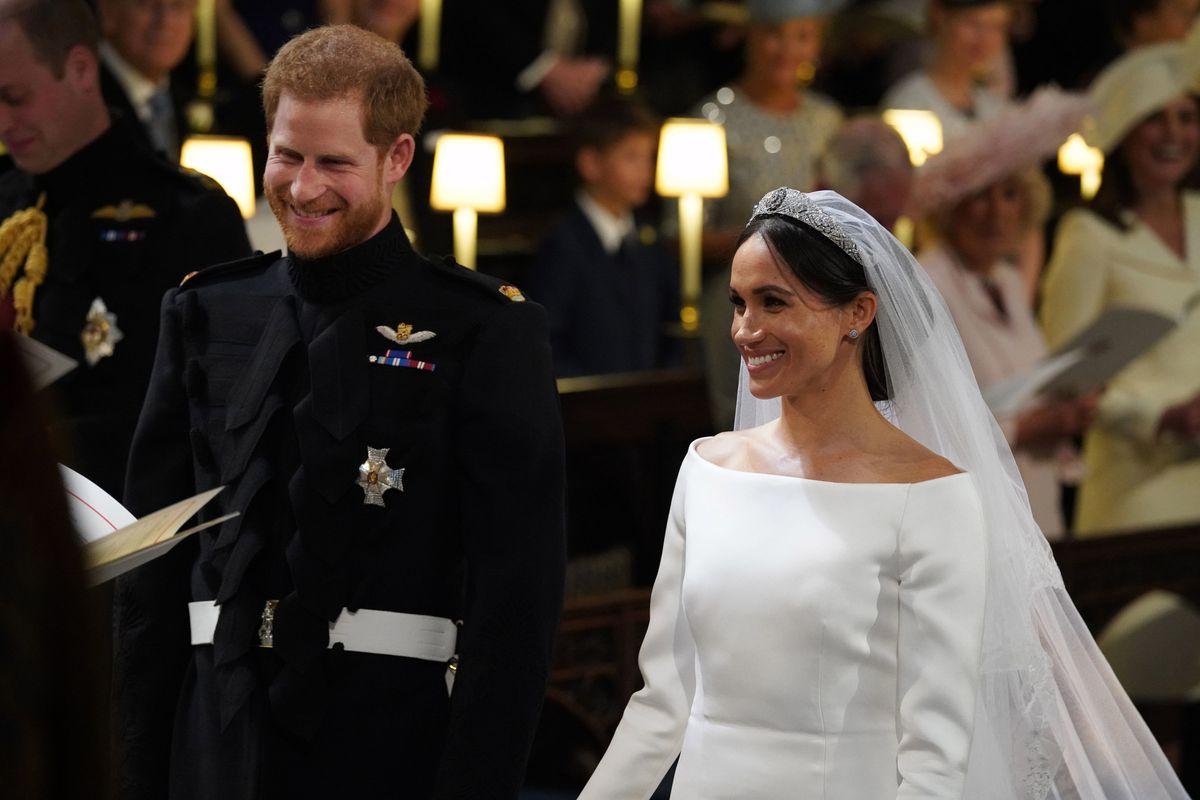 Royal Wedding Dress Meghan Markle.Meghan Markle Wore A Messy Bun At The Royal Wedding Racked