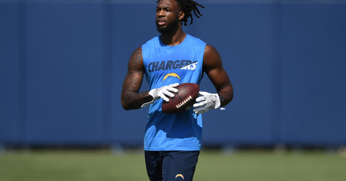 Mike Williams Turning Heads Like He Should Be Bolts