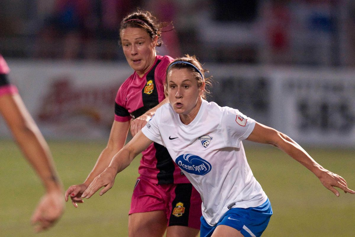 On Saturday, Breakers midfielder Heather O'Reilly will look to guide her club out of an early-season slump