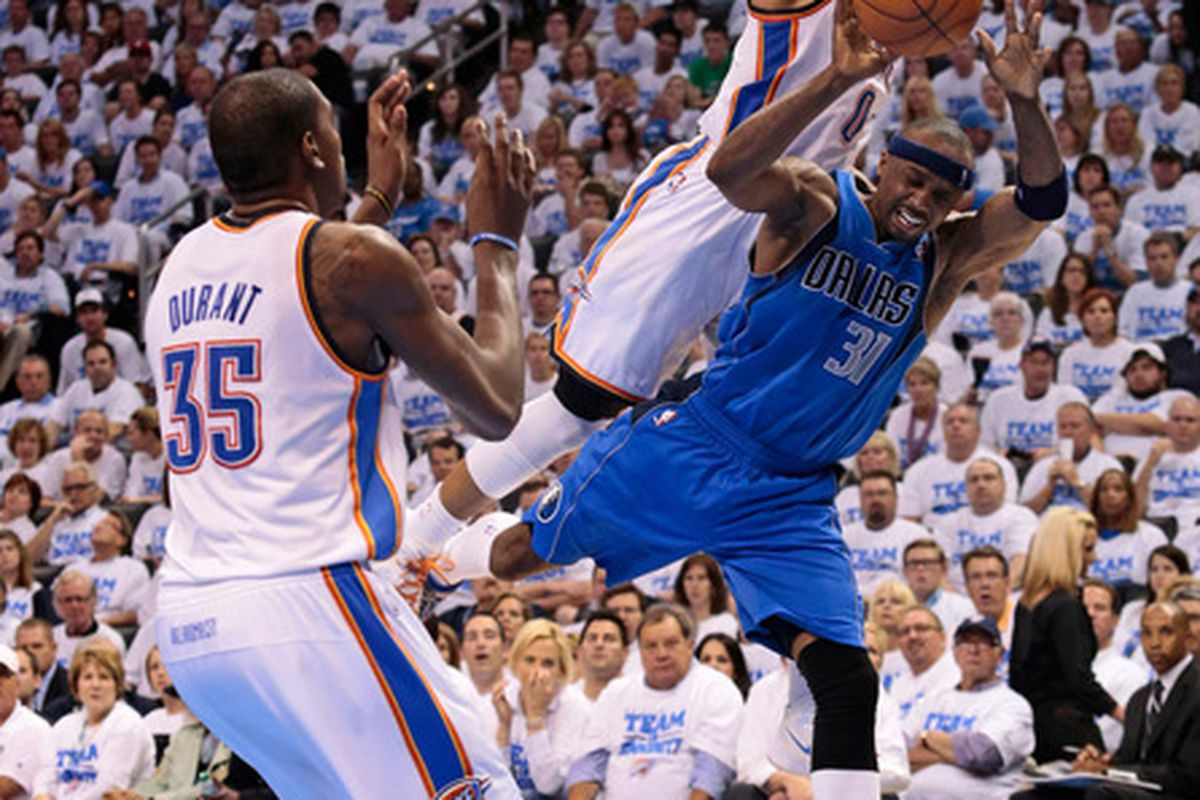 Pass the ball Jet, KD is open!