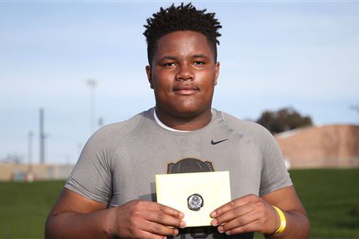 Ohio State Looks To Secure 5 Star Offensive Guard Land Grant Holy Land
