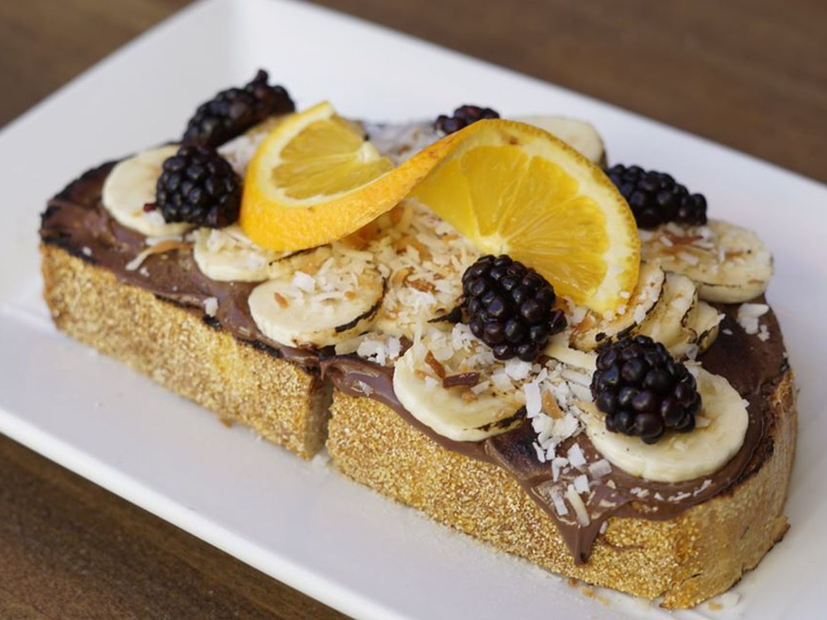 Nutella toast with bananas