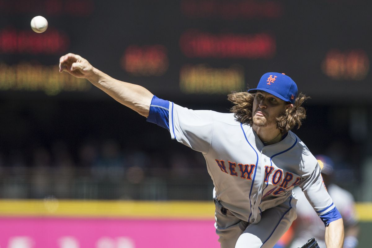 Jacob deGrom OK after scare in Mets' blowout victory