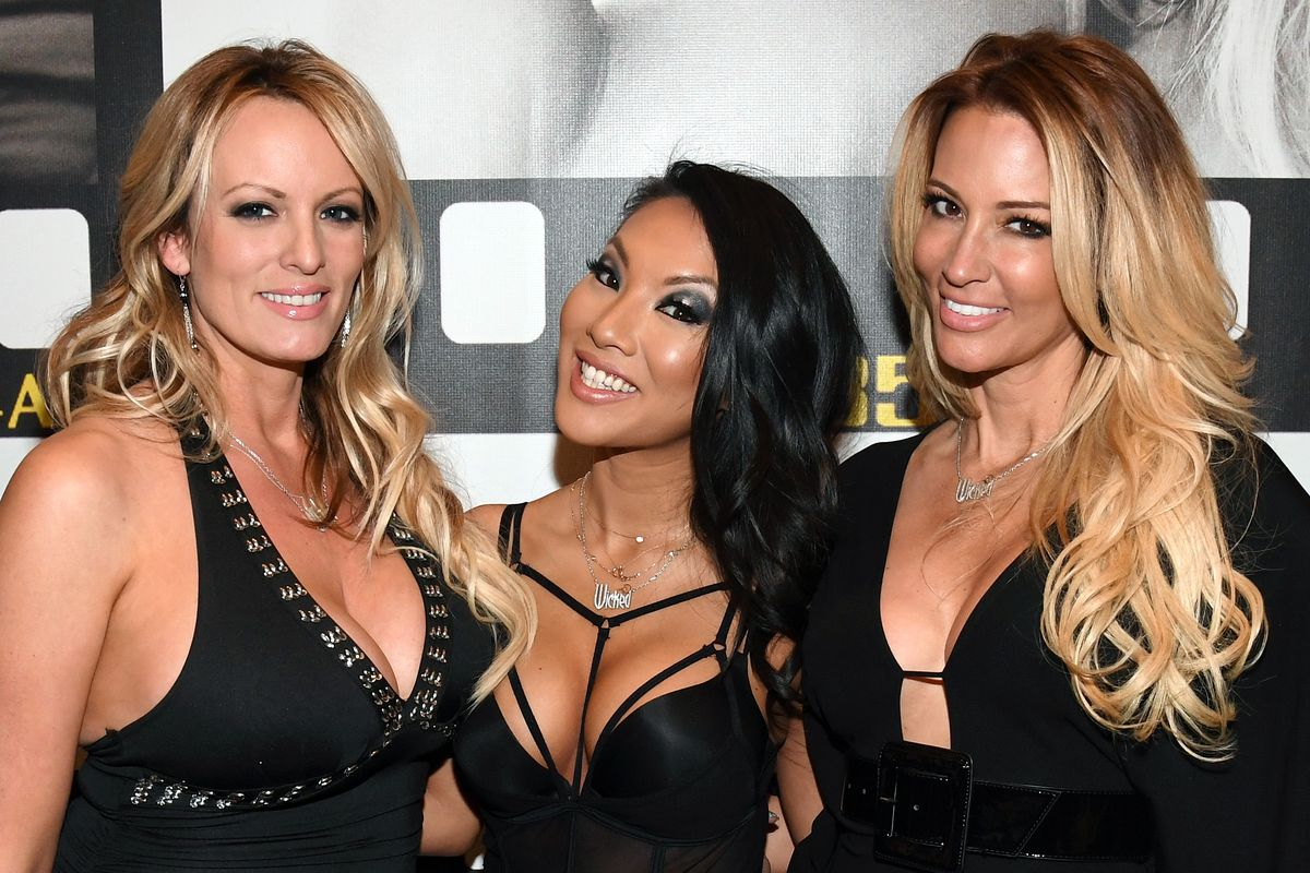 stormy daniels threesome