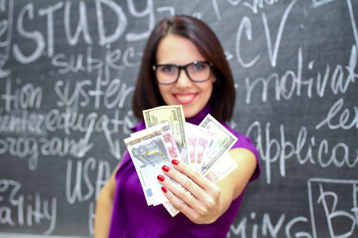 A Manhattan charter school pays teachers $125,000 per year.
