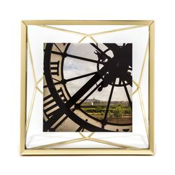 """Geo metal picture frame, <a href=""""http://www.baublebar.com/geo-metal-picture-frame.html"""">$15</a> (Waitlist)"""