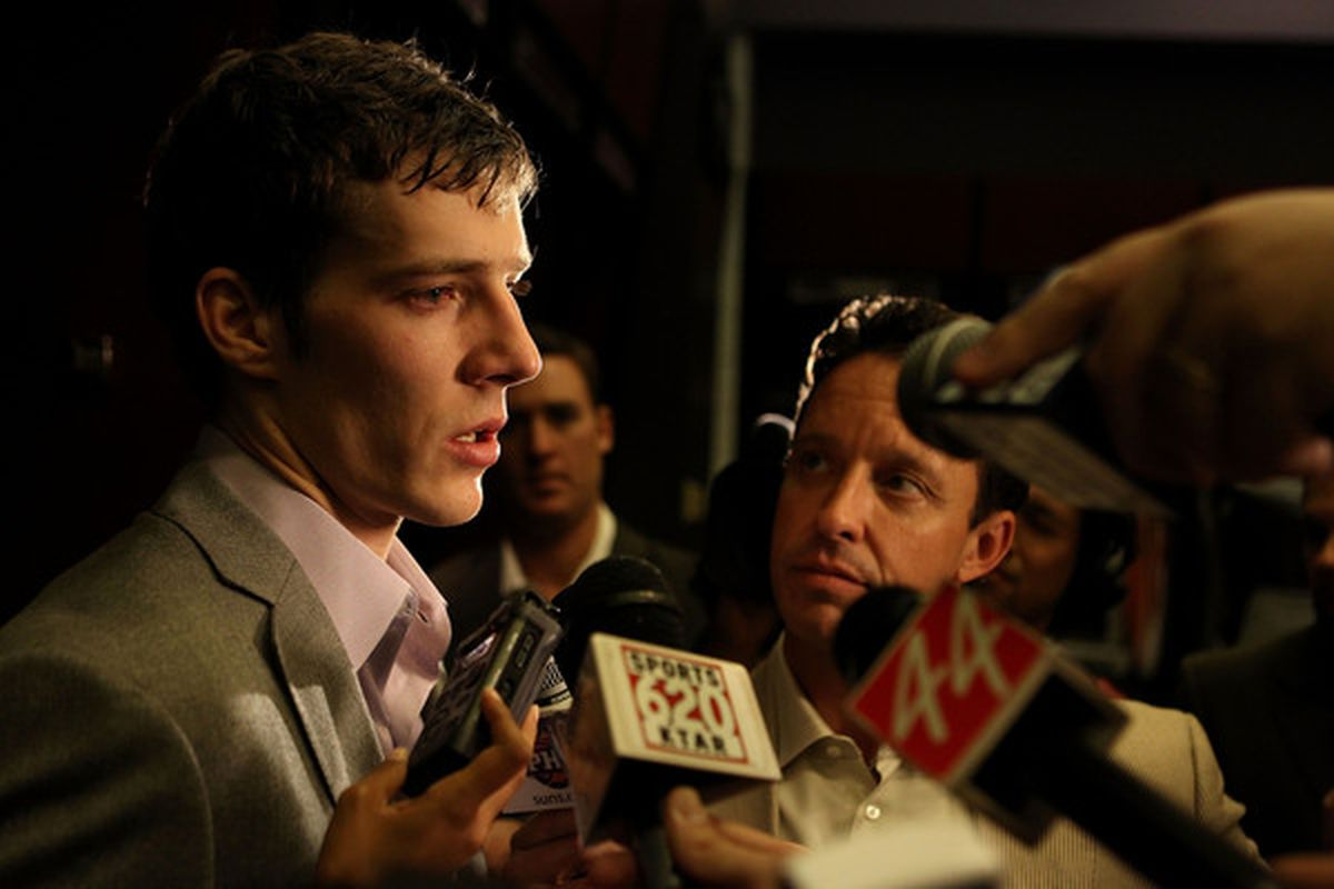 Kevin Ray interviewing Goran Dragic following a Suns game.