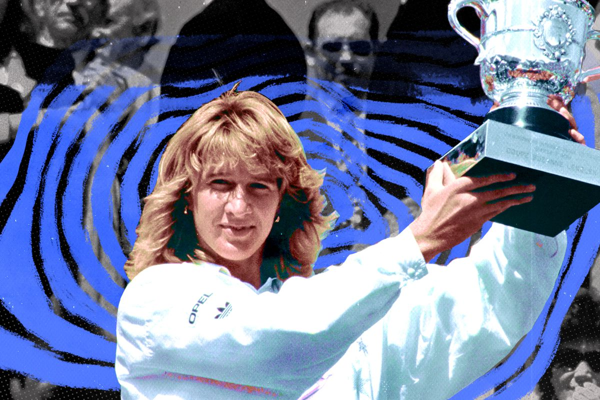 Steffi Graf holds the French Open trophy in 1988