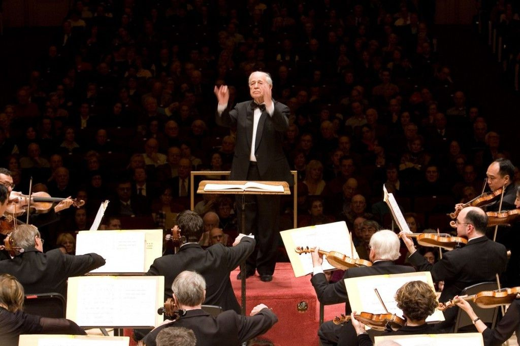 Pierre Boulez conducts the Chicago Symphony Orchestra at Carnegie Hall, December 10, 2006.   Photo by Todd Rosenberg.