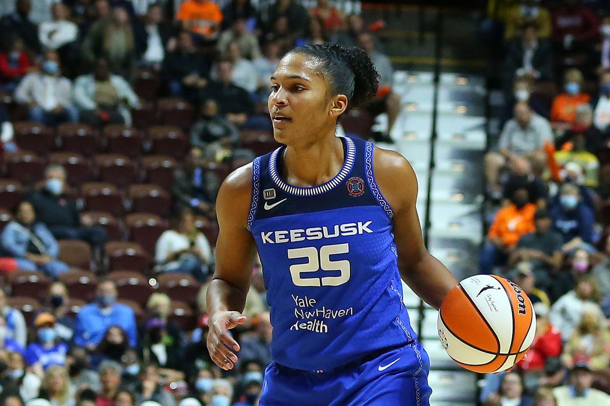 WNBA: SEP 30 Semifinals - Chicago Sky at Connecticut Sun