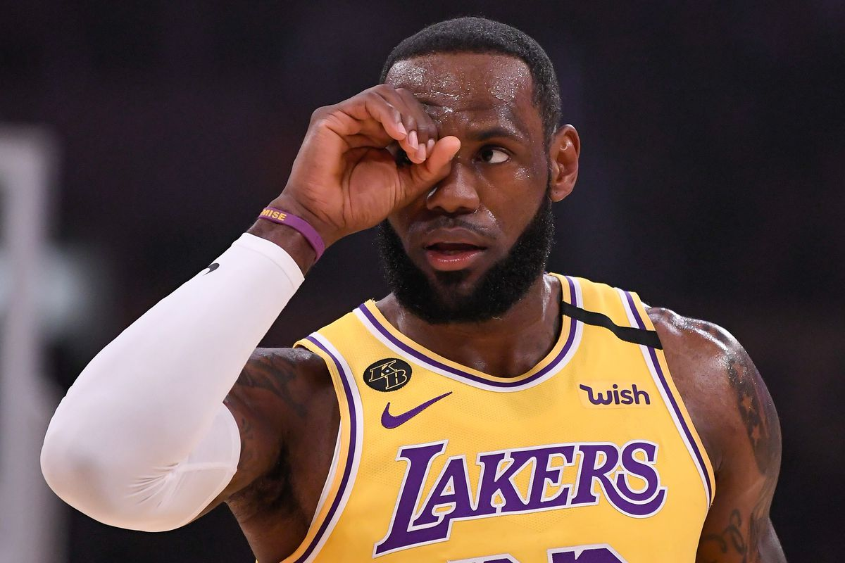 Los Angeles Lakers forward LeBron James gestures to a referee after a foul call during the first quarter against the Memphis Grizzlies at Staples Center.