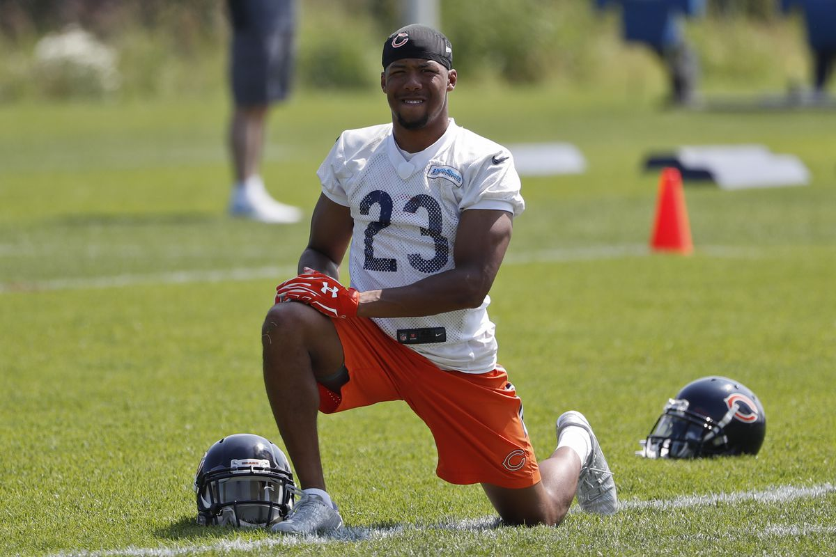 Kyle Fuller warms up during mini-camp