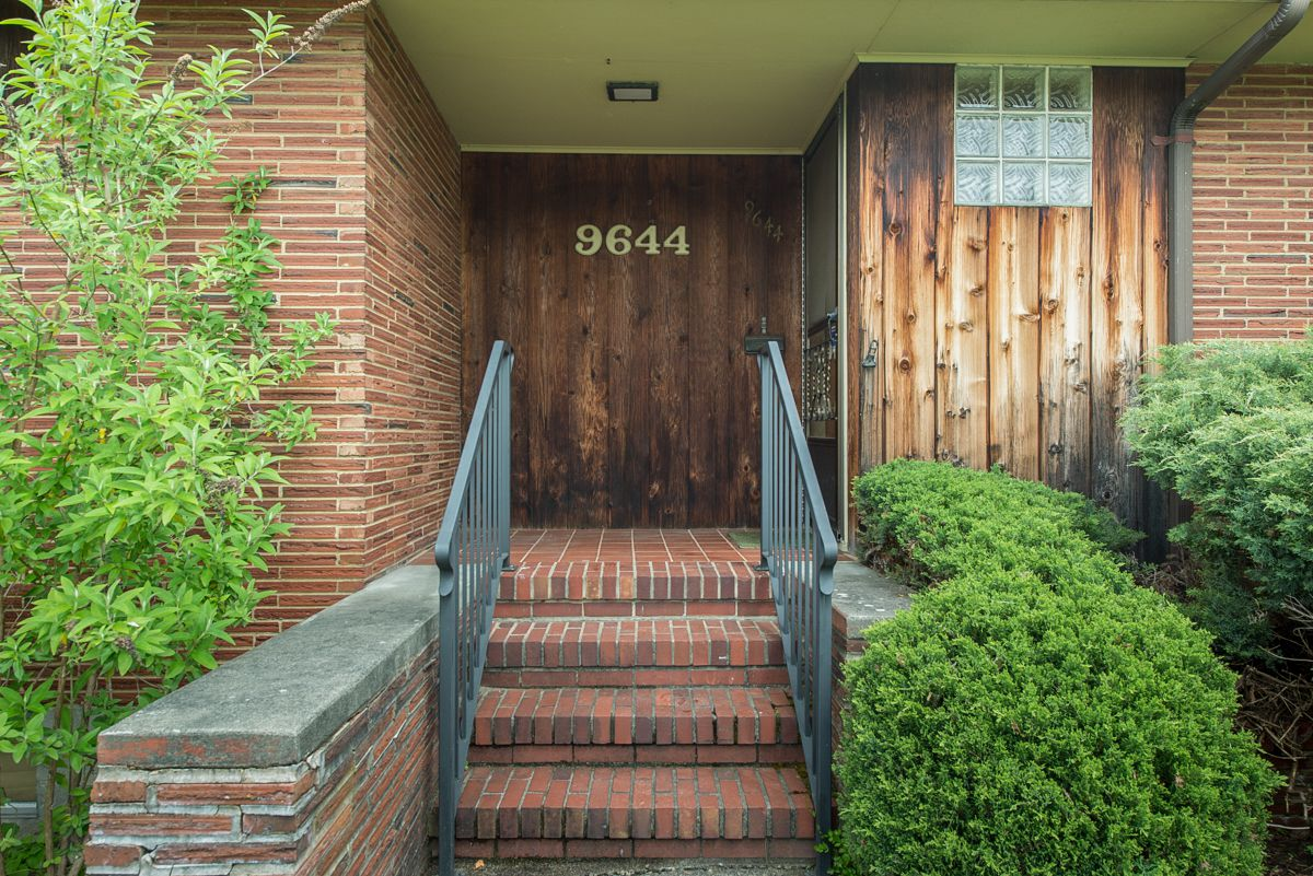 A Perfectly Preserved Midcentury Home In Rainier Beach