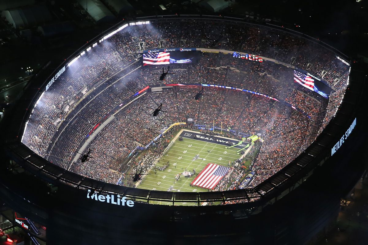 Helicopters of the 101st Airborne do the Super Bowl flyover. Because that's ridiculously cool.