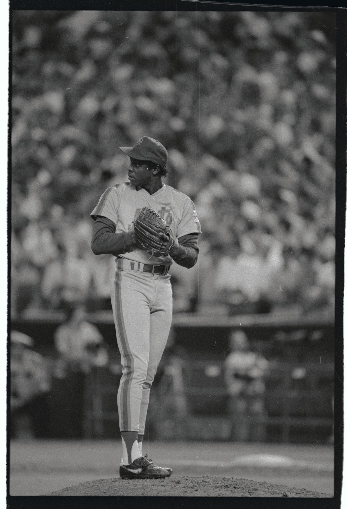 Dwight Gooden Standing with Head Down