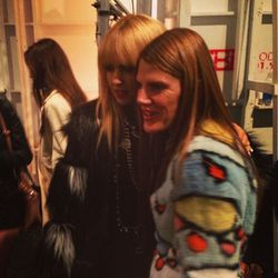 """""""One of our fashion favorites @anna_dello_russo post show with @rachelzoe!"""" - <a href=""""http://instagram.com/p/VrnFfux7-9/"""" target=""""_blank"""">@thezoereport</a>"""