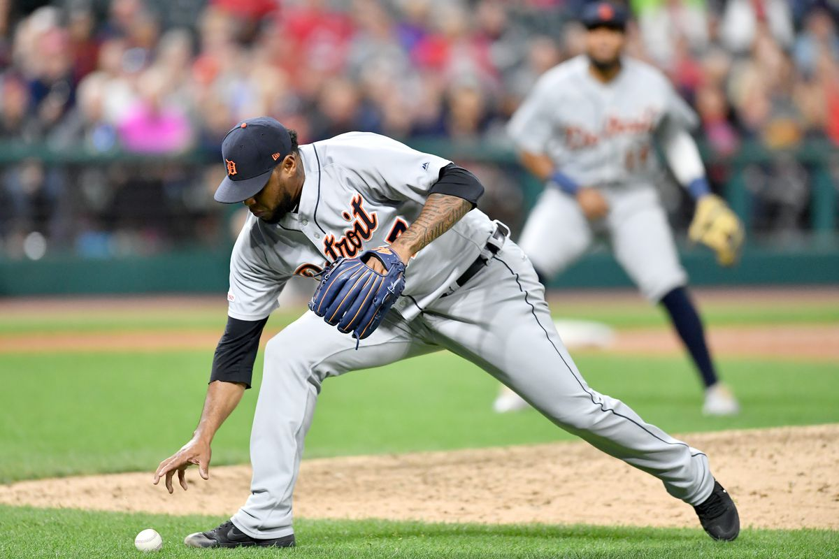 Cleveland Indians 7, Detroit Tigers 0: Cleveland won again.