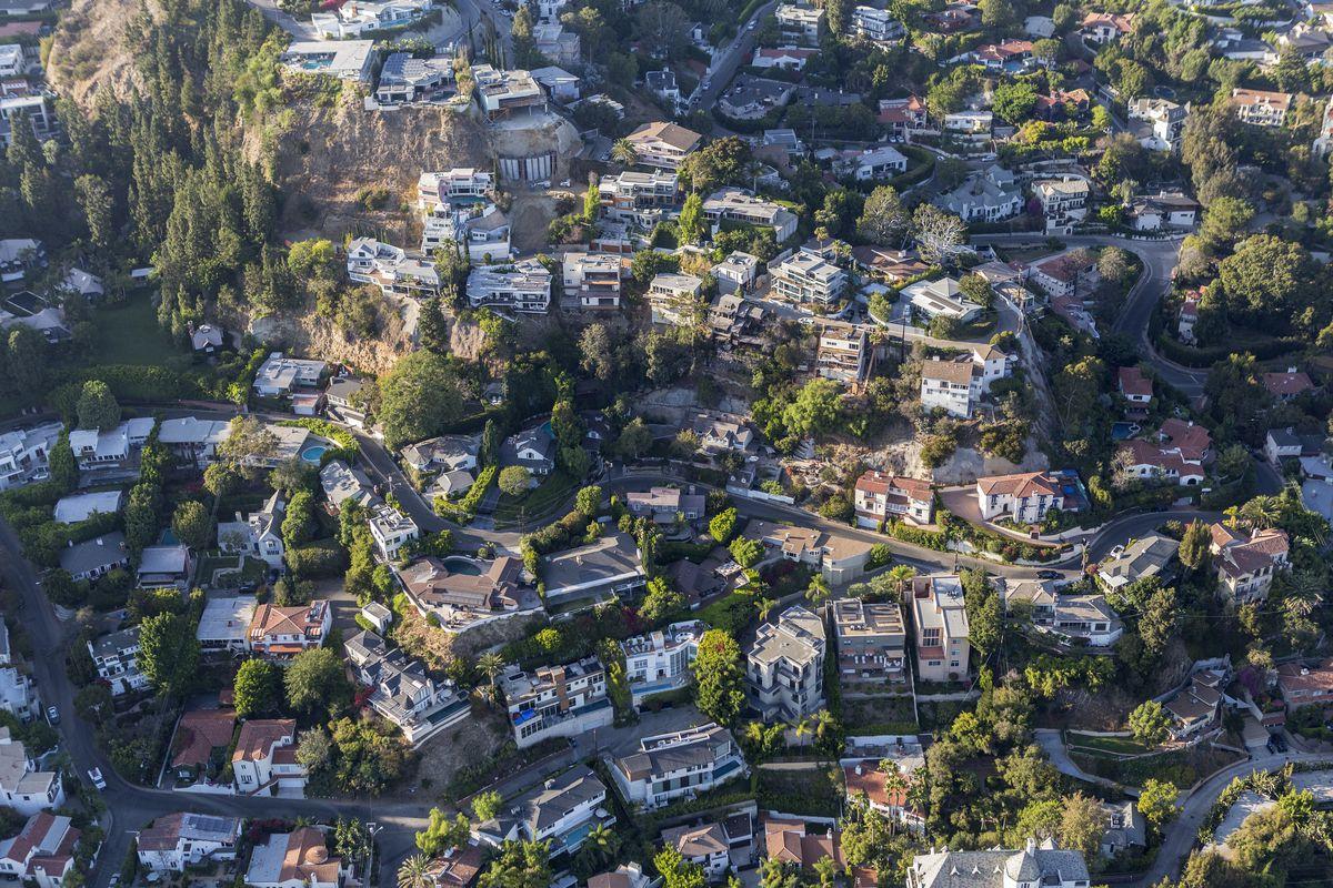 Should La Ban Adus In Hillside Neighborhoods Like Highland