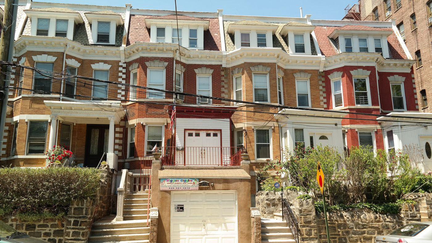 A Local\'s Guide to Bedford Park, a Peaceful Enclave in The Bronx ...