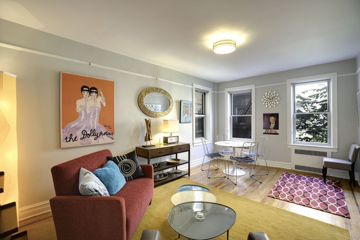 In Jackson Heights A Turnkey Two Bedroom Seeks 730k Curbed Ny