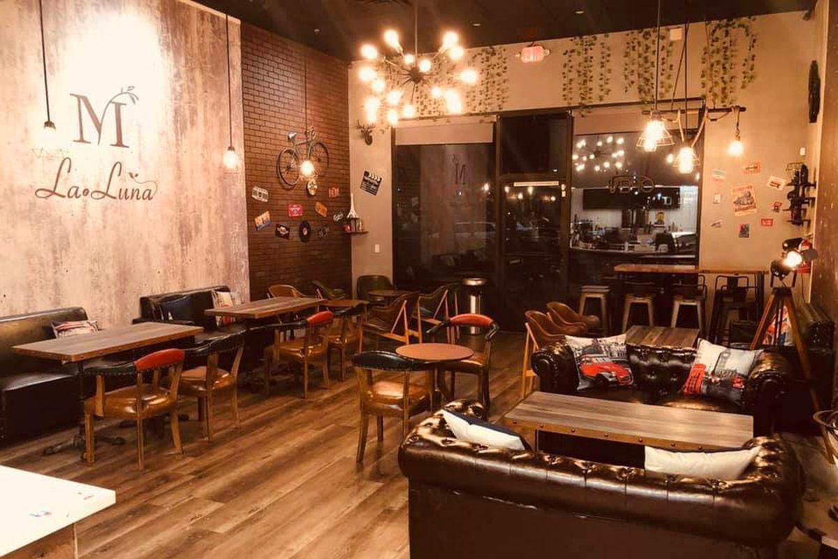LaLuna Tea & Dessert Bar
