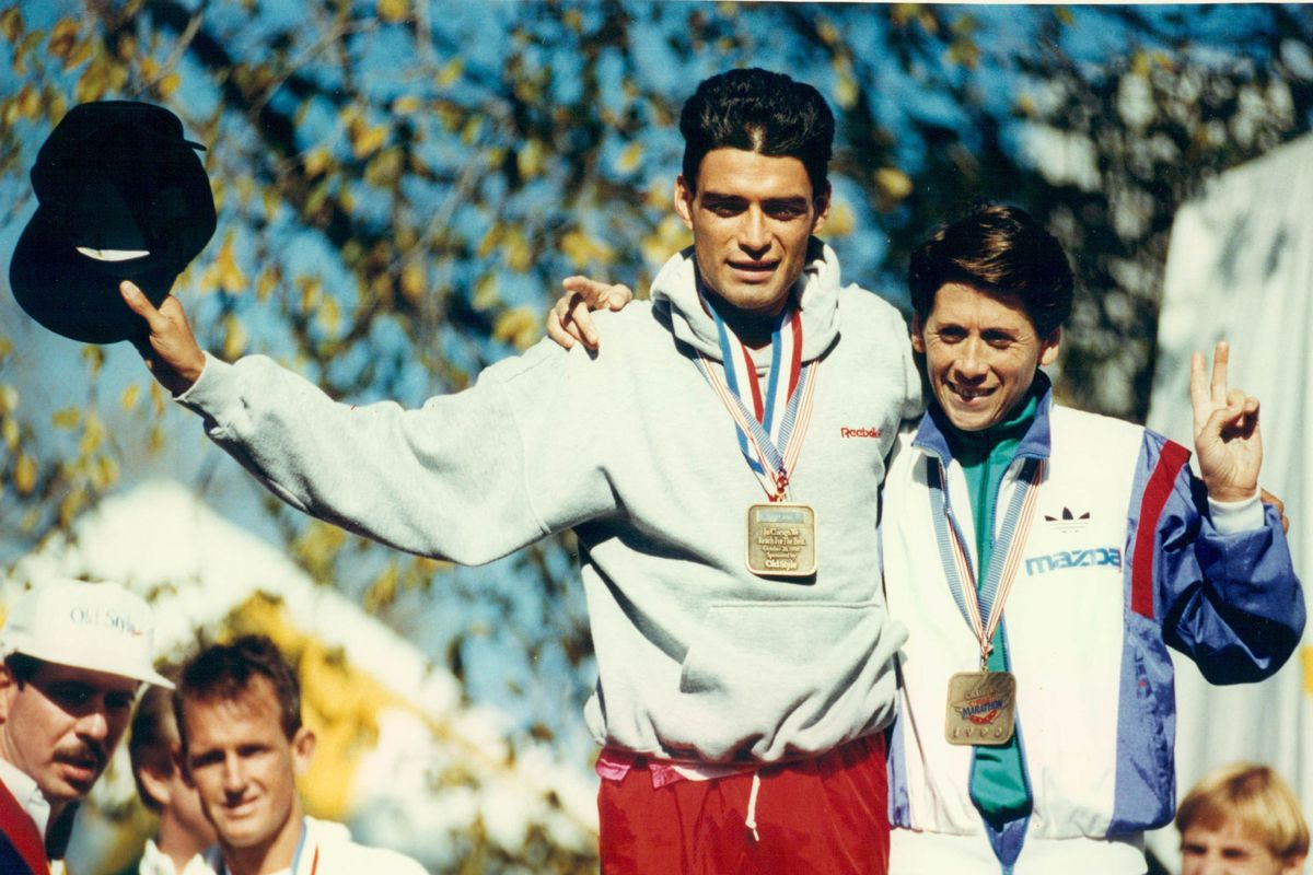 Chicago Marathon photos from the 80s and 90s showcase vintage styles