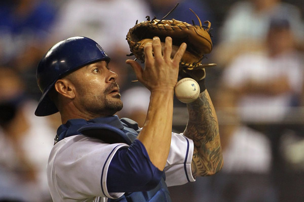 The Kansas City Royals rewinds itself and has signed catcher Jason Kendall to a minor league deal.