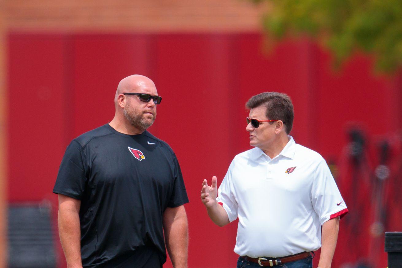 Arizona Cardinals GM falls way down in Rotoworld GM Rankings