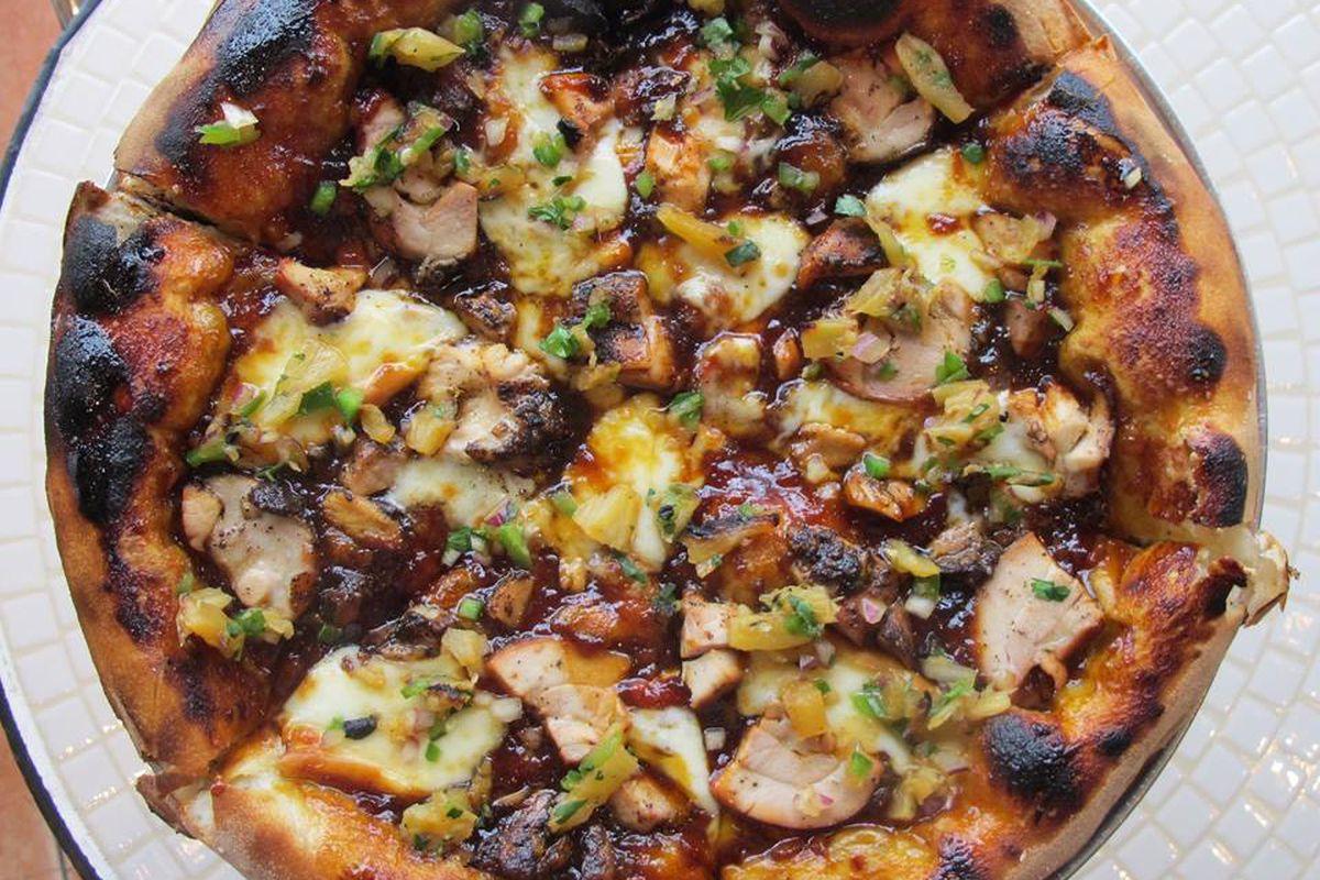 Rodeo Chicken Pizza at Commune Kitchen
