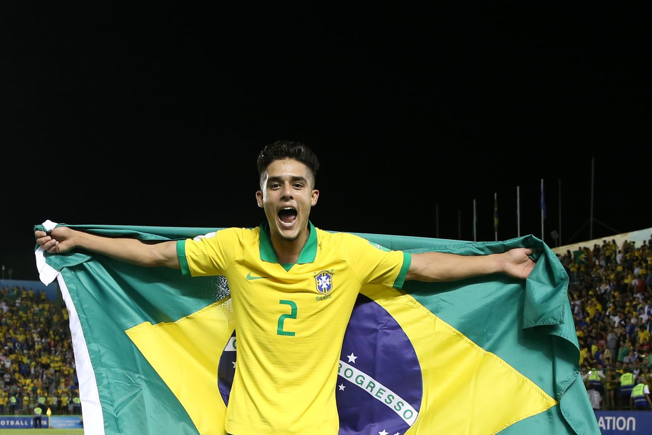 Barcelona close in on Brazilian U17 World Cup star - report
