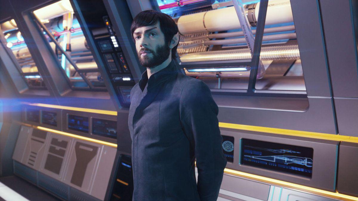 star trek discovery - spock (ethan peck)