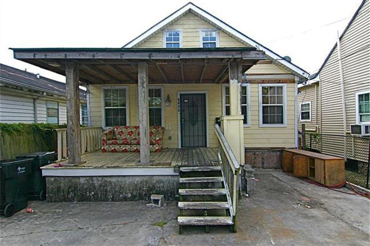 "photo via <a href=""http://www.realtor.com/realestateandhomes-detail/2104-Dumaine-St_New-Orleans_LA_70116_M83981-08081#"">Realtor.com</a>"