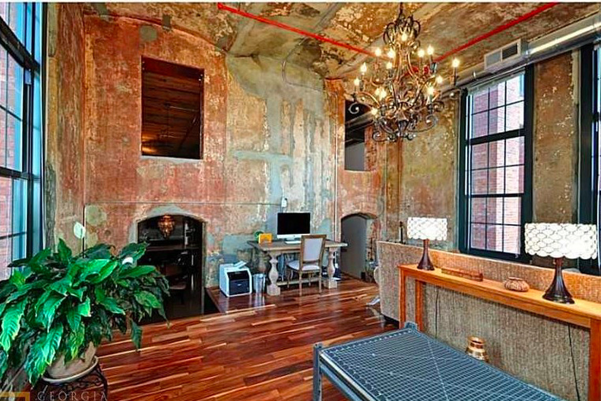 A photo of the office area inside a Cabbagetown loft for sale now.