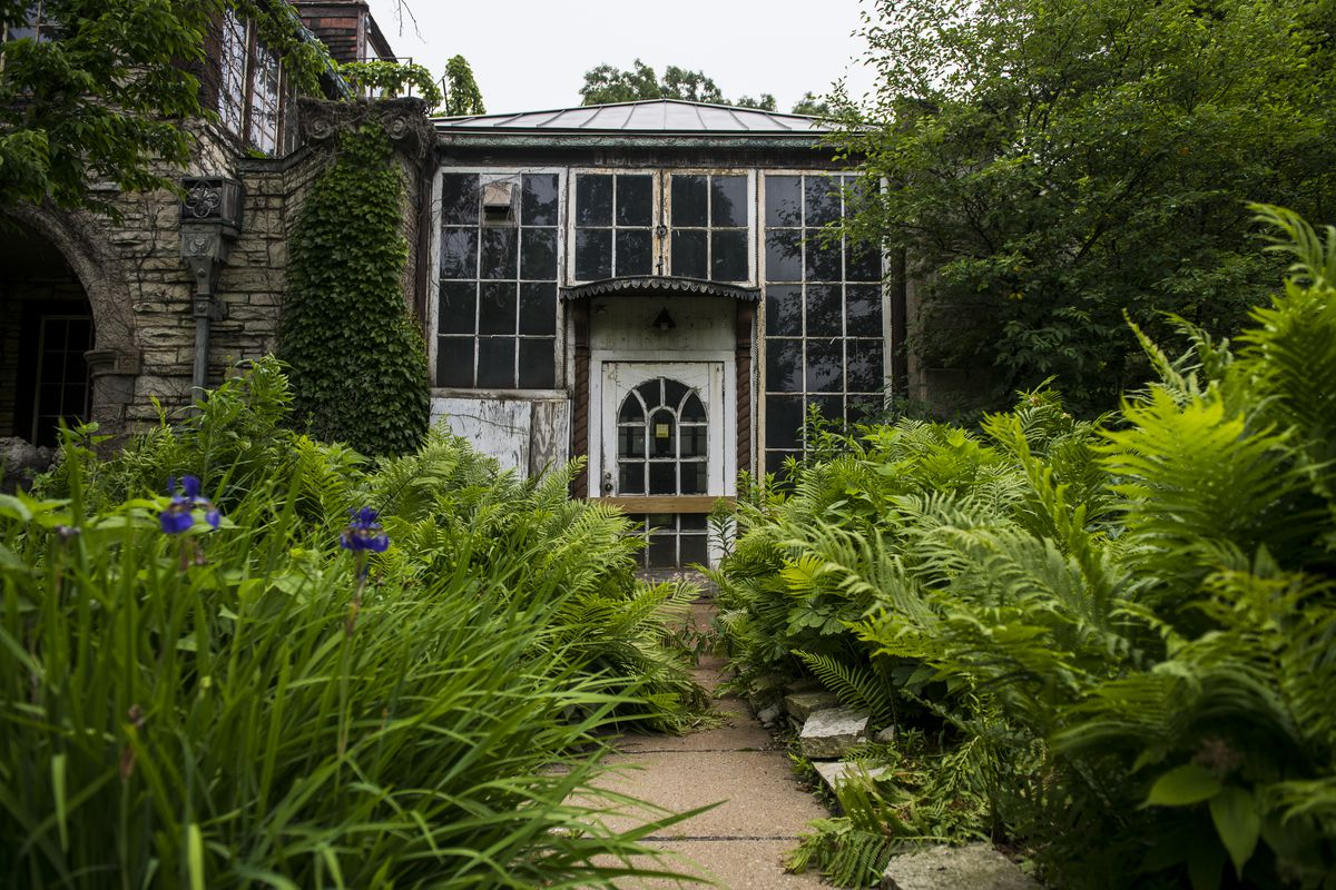 The Harley Clark mansion in Evanston is owned by the city but its deteriorating condition has forced the Evanston City Council to consider demolition instead of preservation.   Tyler LaRiviere/Sun-Times