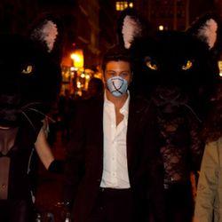 A curious Bond Street trio. Photo by Anna Fischer.