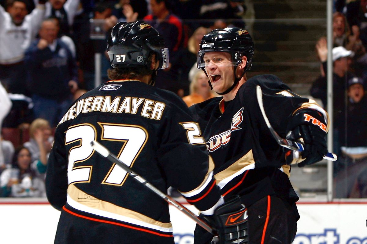 06dae0fd084 Photo by Jeff Gross/Getty Images. It's official. 2 of the Ducks greatest  captains will watch their numbers ...