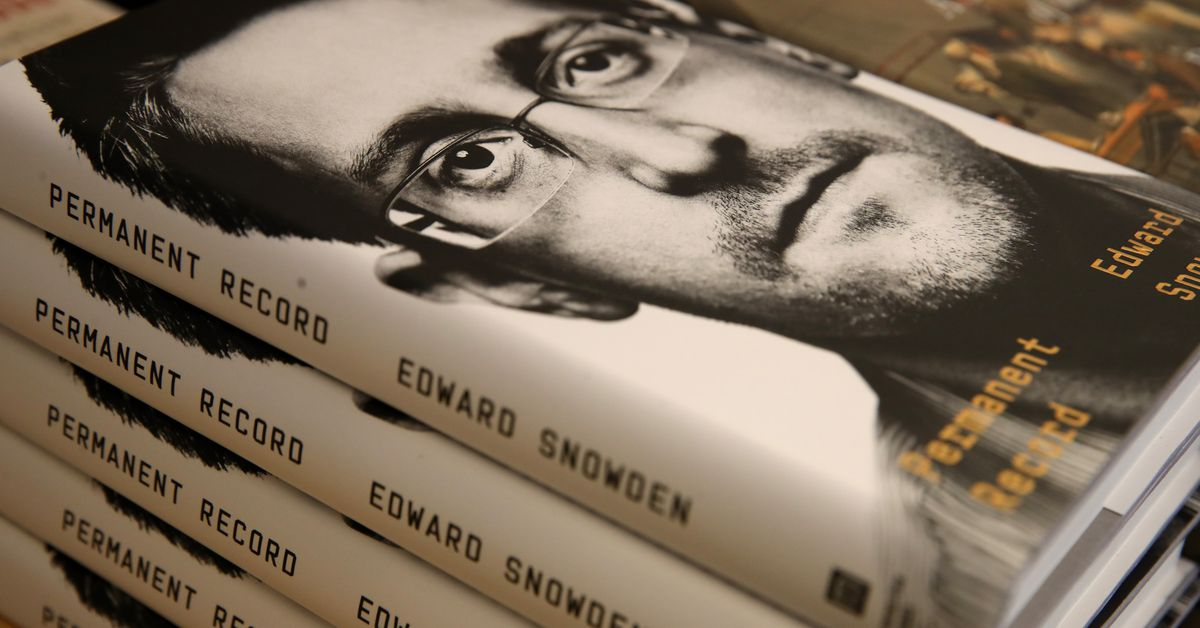 Edward Snowden says Facebook is just as untrustworthy as the NSA