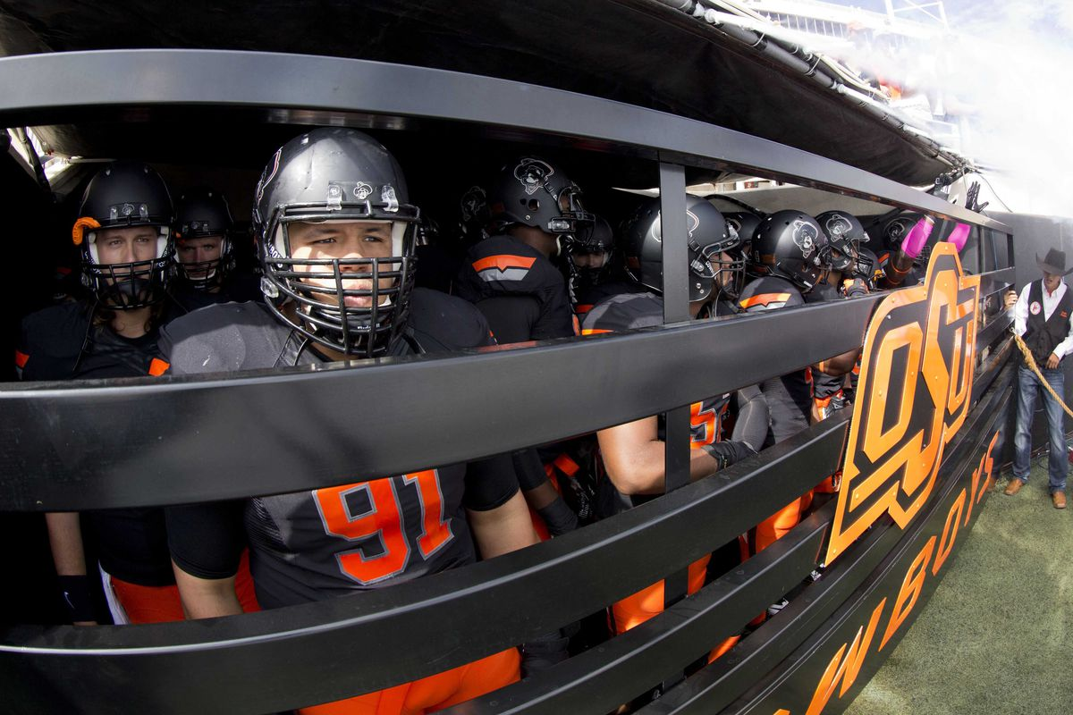 The Cowboys wait as they prepare to enter Boone Pickens Stadium against Kansas State on Oct. 5. The Cowboys wait again, this time with a bye week.