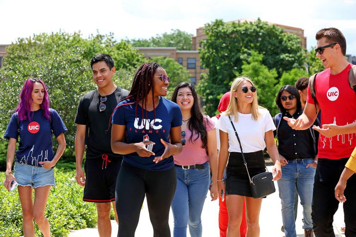 UIC students walking on campus