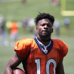 Broncos WR Emmanuel Sanders makes his way off the field after practice.
