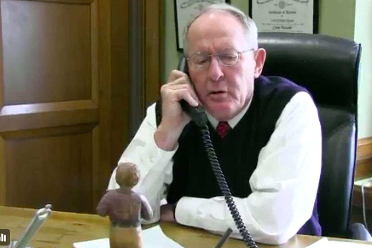 U.S. Sen. Lamar Alexander fielded calls from constituents on Feb. 3, including calls about Betsy Devos's nomination as secretary of education.