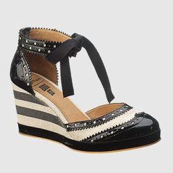 "<a href= ""http://www.hushpuppies.com/US/en-US/Product.mvc.aspx/27918W/0/Womens/AS-RNR-Ankle-Strap?dimensions=0"">RNR Ankle Strap</a>, $130"
