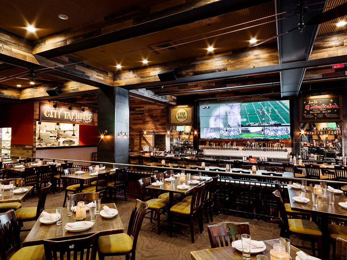 Football Stadium Floor Plan 17 Sports Bars In Philly To Watch Nfl And College Football