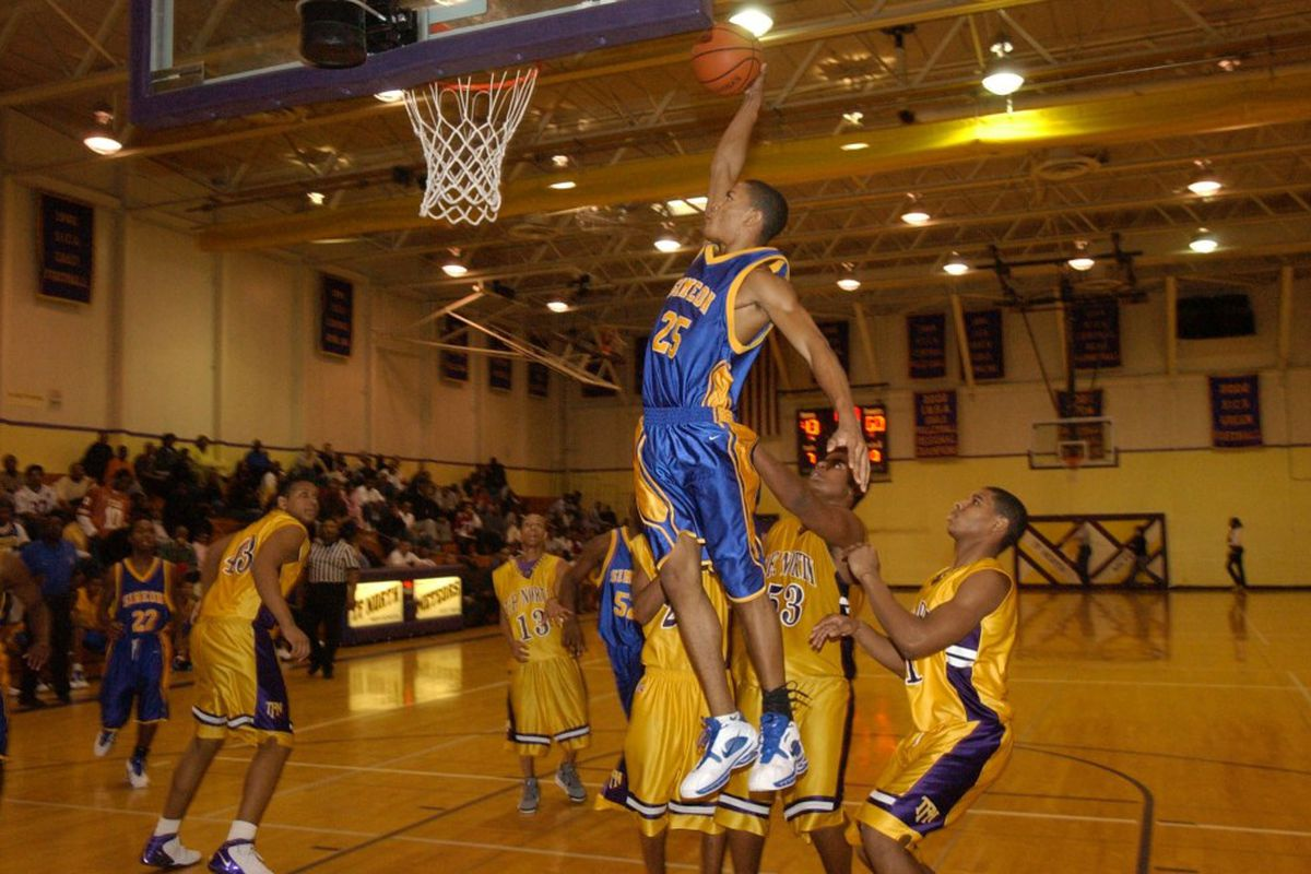 06452ca84f0  25 Derrick Rose (simeon) goes up for a slam in the final minutes of the  game. Brian Jackson Sun-Times