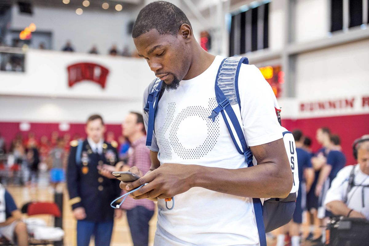 Kevin Durant likes Instagram comment criticizing Russell ...