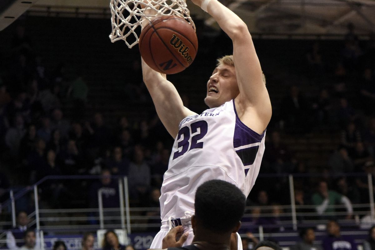 Nathan Taphorn dunking all over Mississippi Valley State