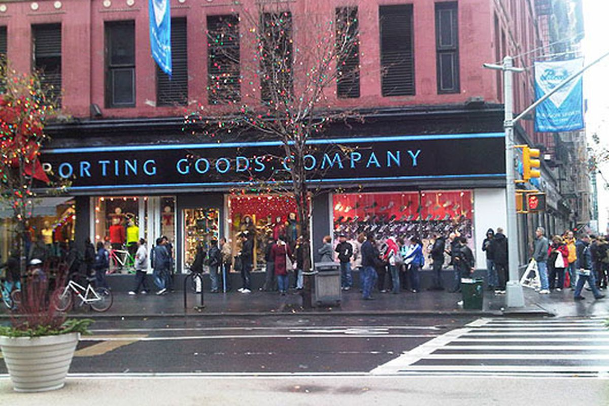 The line outside Paragon on Black Friday went all the way around 18th Street